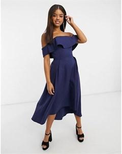 Темно синее приталенное платье бандо с воланом Chi chi london