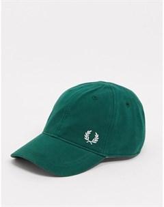 Классическая зеленая кепка Fred perry