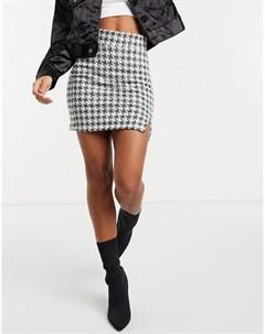 Мини юбка из букле с узором в мелкую ломаную клетку и вырезом спереди Asos design