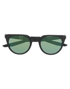 Солнцезащитные очки трапециевидной формы Nike