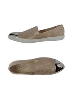 Низкие кеды и кроссовки Cristin