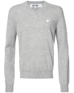 Пуловер с V образным вырезом и вышивкой сердца Comme des garcons play