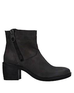 Полусапоги и высокие ботинки L'estrosa