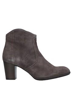 Полусапоги и высокие ботинки Essenza