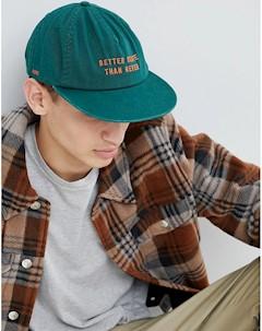 Зеленая кепка с вышивкой Globe