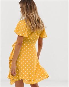 Платье в горошек с запахом и оборкой Superdry
