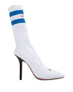 Полусапоги и высокие ботинки Vetements