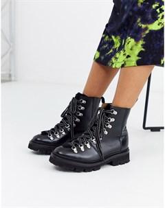 Походные ботинки с черной овечьей шерстью Nanette Grenson