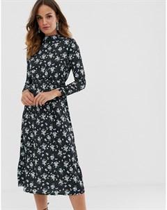 Платье макси с длинными рукавами и цветочным принтом Uttam boutique