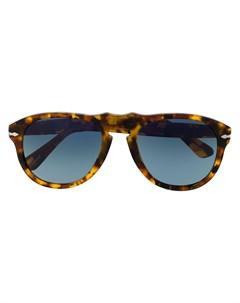 Солнцезащитные очки в массивной оправе Persol