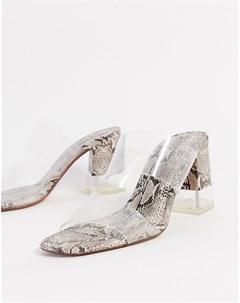 Мюли на каблуке с прозрачным ремешком и змеиным принтом Bershka