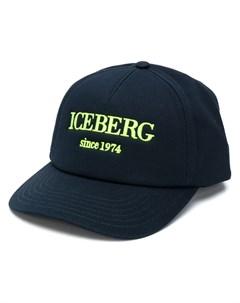 Бейсболка с вышитым логотипом Iceberg