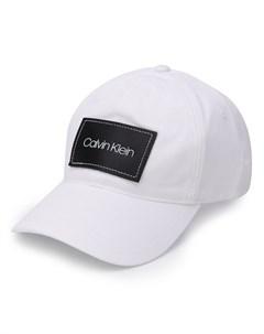 кепка с нашивкой логотипом Calvin klein