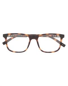 очки в квадратной оправе черепаховой расцветки Lacoste